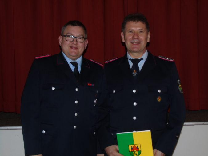 Der stell. Ortsbrandmeister Udo Heinemann wurde wiedergewählt und auch befördert