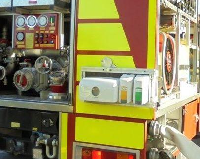 Das Hygieneboard wird im Einsatz am LF 10/10 angebracht und kann dann problemlos genutzt werden
